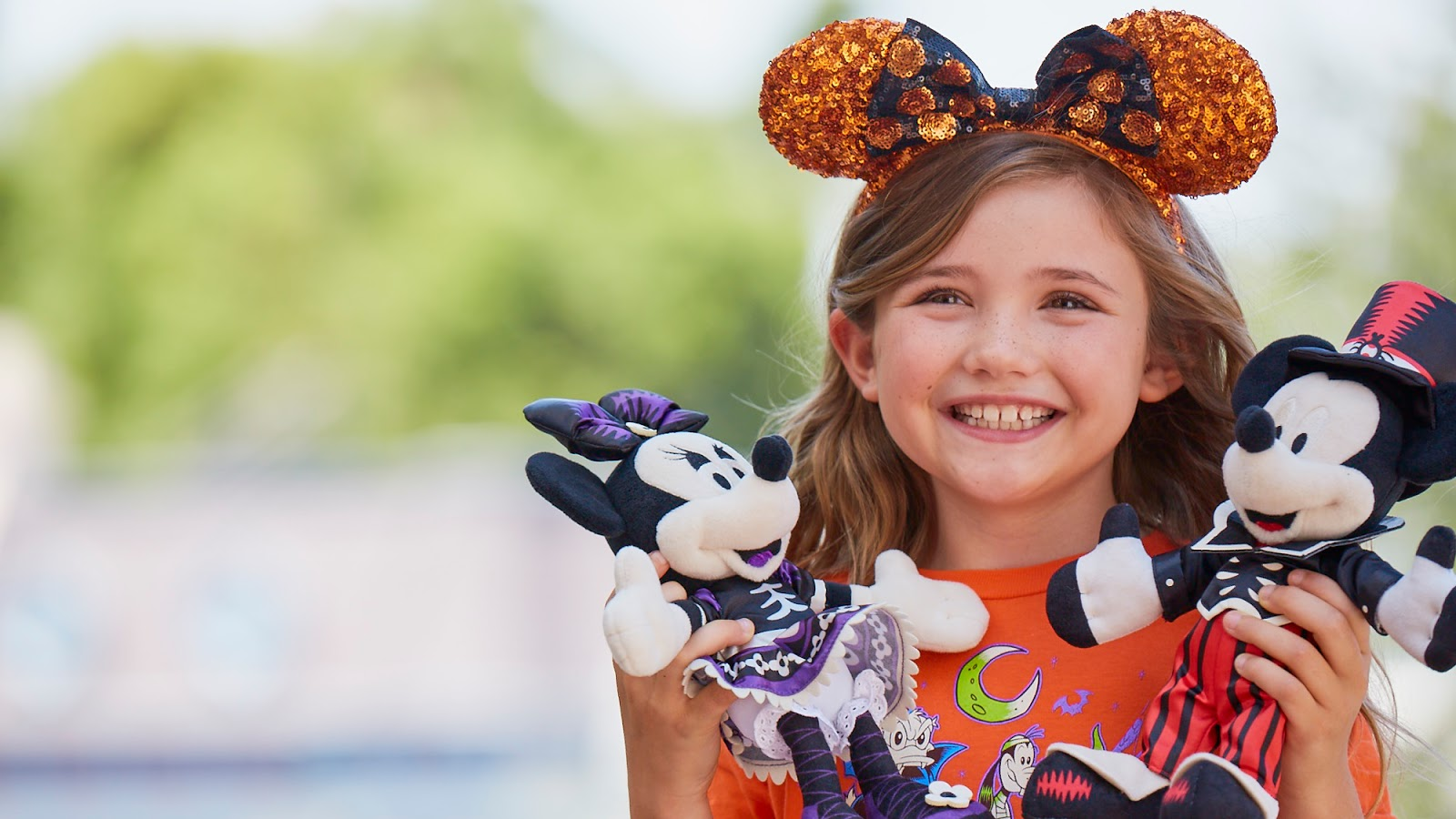 Disneyland® Resort and Universal Studios