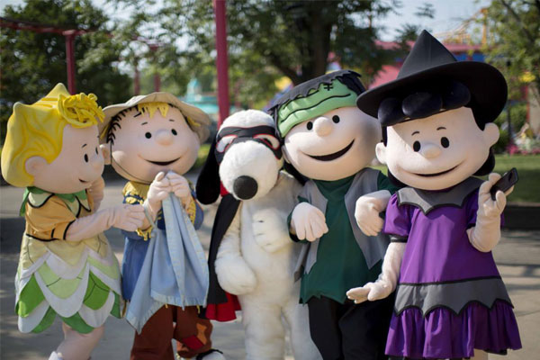 PEANUTS-themed attractions