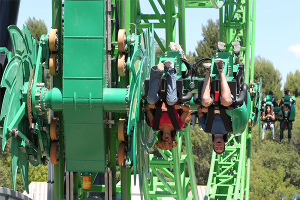 Six Flags Magic Mountain Vacation Package